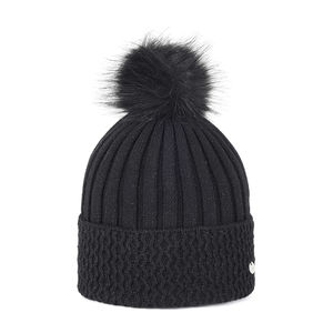 Knit beanie with a pom pom black