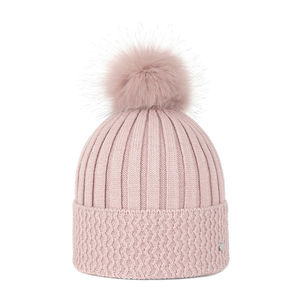 Knit beanie with a pom pom pink
